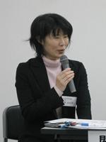 シンポジウム委員会の関由起子委員長